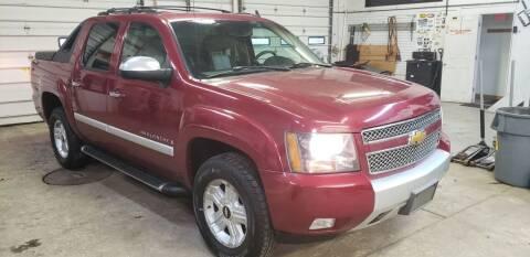 2007 Chevrolet Avalanche for sale at Van Kalker Motors in Grand Rapids MI