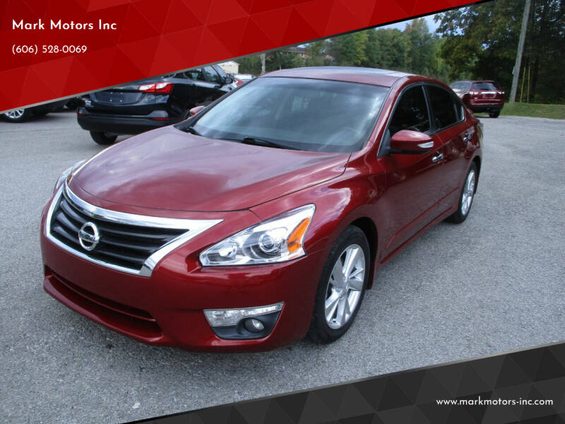 2015 Nissan Altima for sale at Mark Motors Inc in Gray KY
