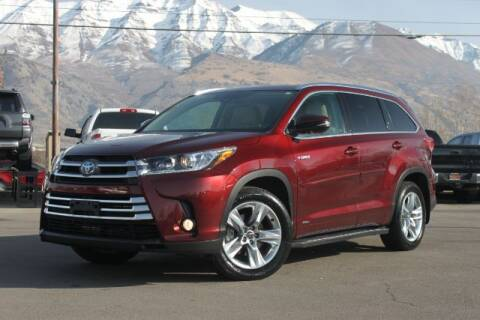 2017 Toyota Highlander Hybrid for sale at REVOLUTIONARY AUTO in Lindon UT