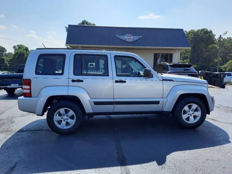 2012 Jeep Liberty for sale at G AND J MOTORS in Elkin NC