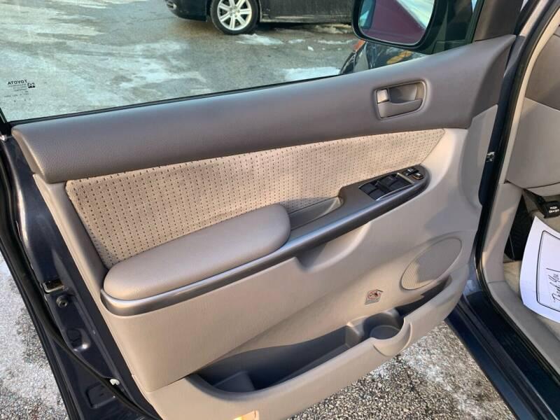 2008 Toyota Sienna LE 7-Passenger 4dr Mini-Van - Villa Park IL