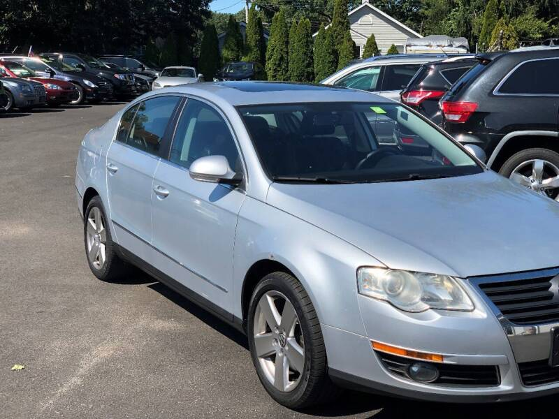 2009 Volkswagen Passat for sale at QUALITY AUTO SALES OF NEW YORK in Medford NY