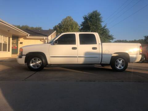 2005 GMC Sierra 1500 for sale at H3 Auto Group in Huntsville TX