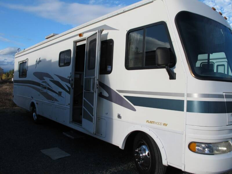 2003 FIESTA 32' W/large Slide for sale at Oregon RV Outlet LLC - Class A Motorhomes in Grants Pass OR