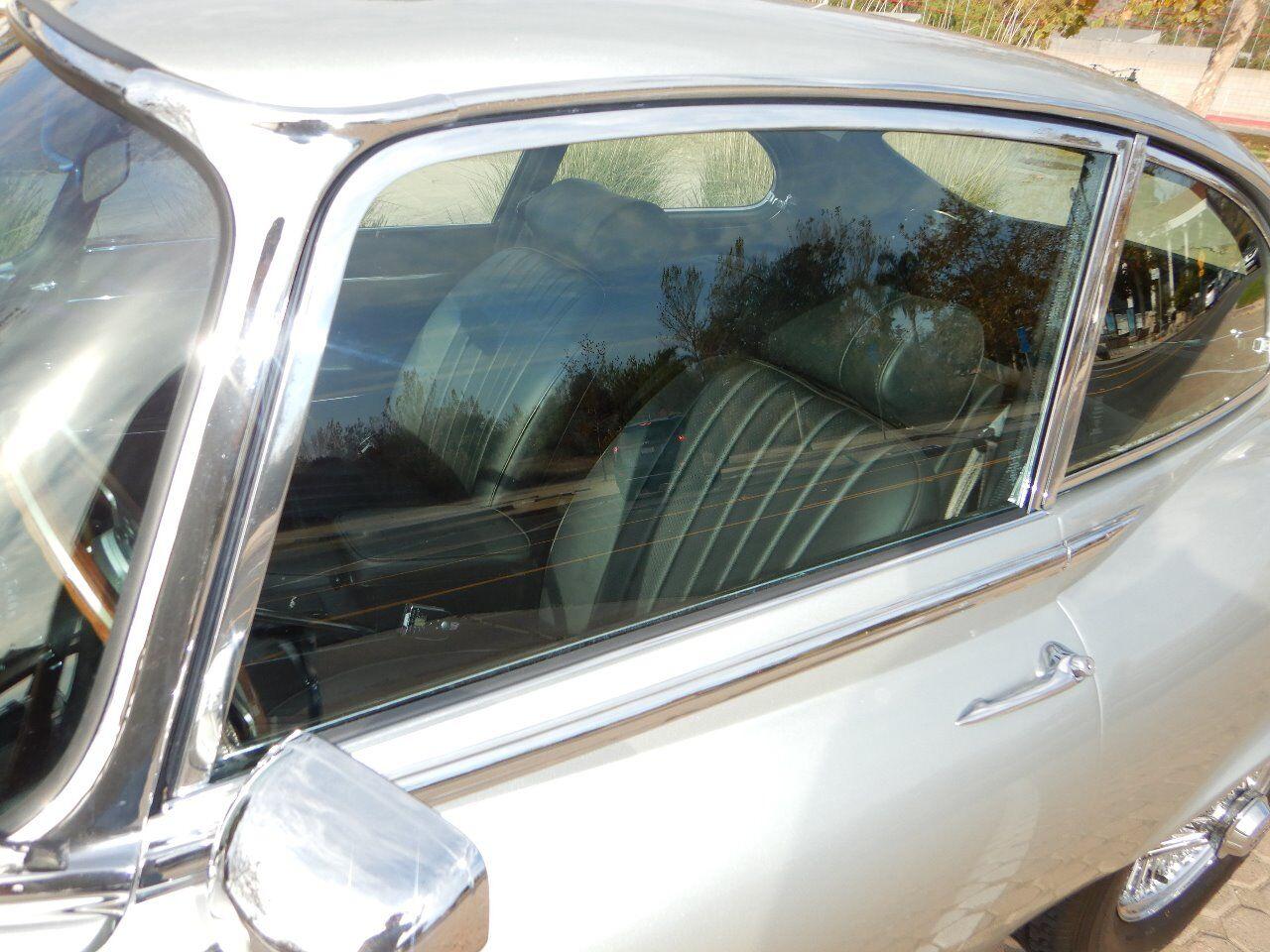 1973 Jaguar XKE 16