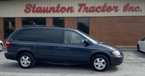 2007 Dodge Grand Caravan for sale at STAUNTON TRACTOR INC in Staunton VA