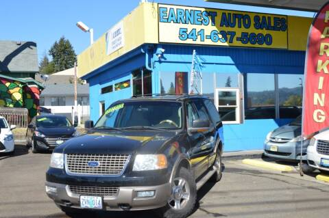 2004 Ford Expedition for sale at Earnest Auto Sales in Roseburg OR