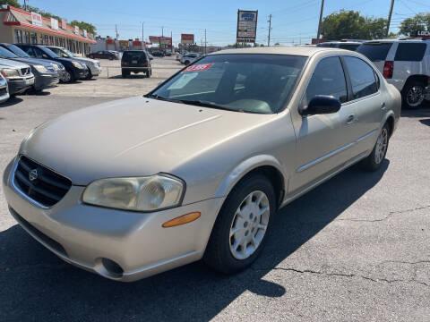 2000 Nissan Maxima for sale at Diana Rico LLC in Dalton GA