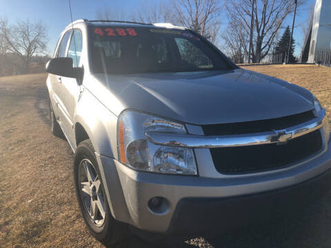2005 Chevrolet Equinox for sale at BELOW BOOK AUTO SALES in Idaho Falls ID