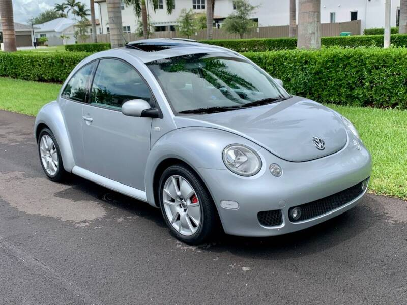 2002 Volkswagen New Beetle for sale at Vintage Point Corp in Miami FL
