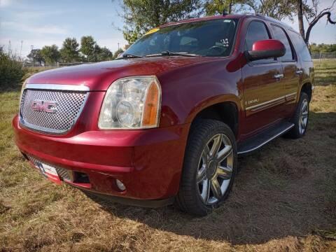 2008 GMC Yukon for sale at LA PULGA DE AUTOS in Dallas TX