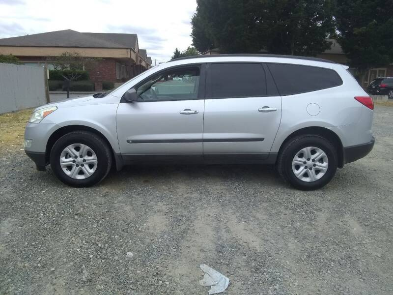 2009 Chevrolet Traverse for sale at Car Guys in Kent WA