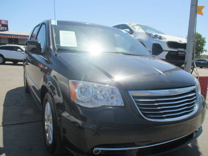 2016 Chrysler Town and Country for sale at Quick Auto Sales in Modesto CA