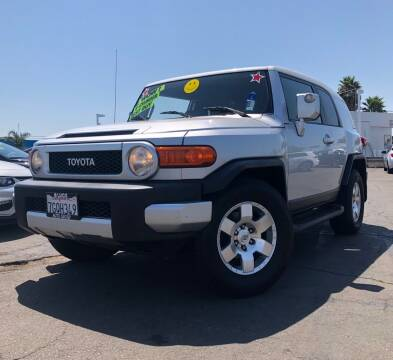 2007 Toyota FJ Cruiser for sale at LUGO AUTO GROUP in Sacramento CA