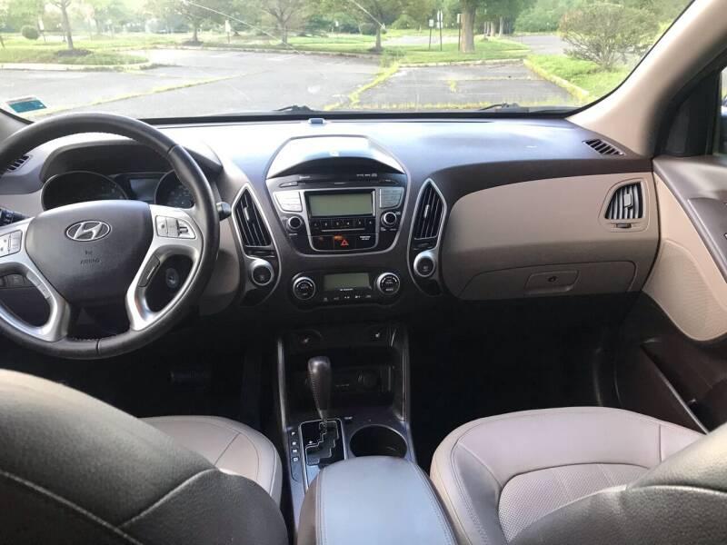 2011 Hyundai Tucson AWD Limited 4dr SUV - Westampton NJ
