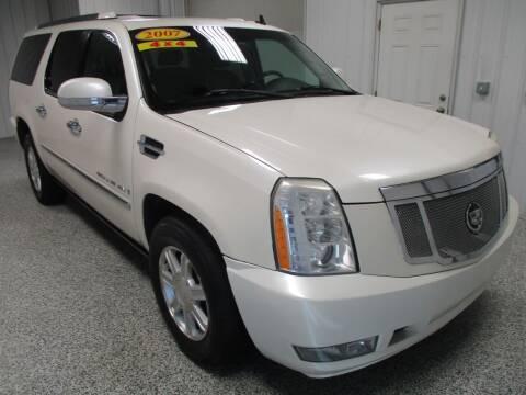 2007 Cadillac Escalade ESV for sale at LaFleur Auto Sales in North Sioux City SD
