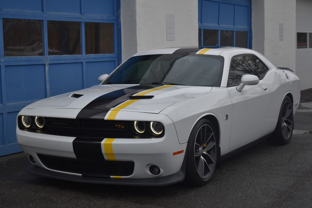 2016 Dodge Challenger R/T Scat Pack 2dr Coupe full