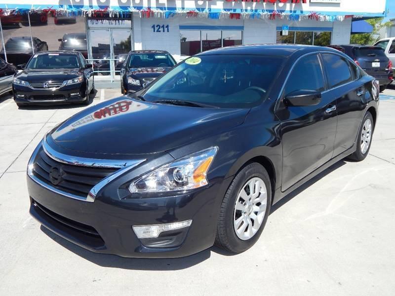 2014 Nissan Altima for sale at Auto Outlet of Sarasota in Sarasota FL