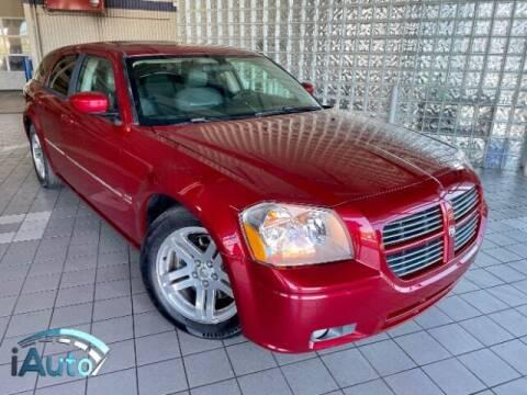 2005 Dodge Magnum for sale at iAuto in Cincinnati OH