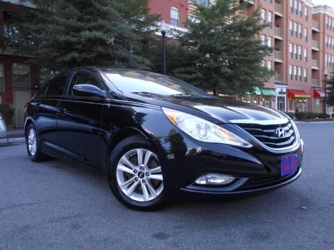 2013 Hyundai Sonata for sale at H & R Auto in Arlington VA