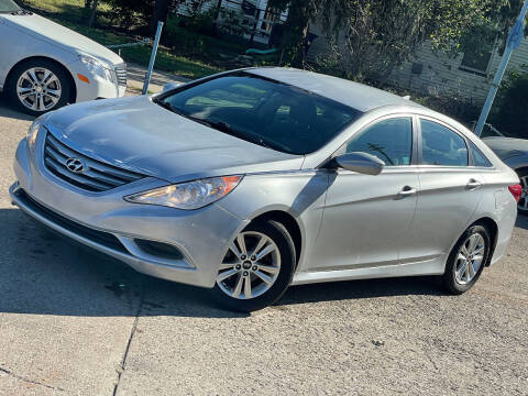 2014 Hyundai Sonata for sale at Exclusive Auto Group in Cleveland OH