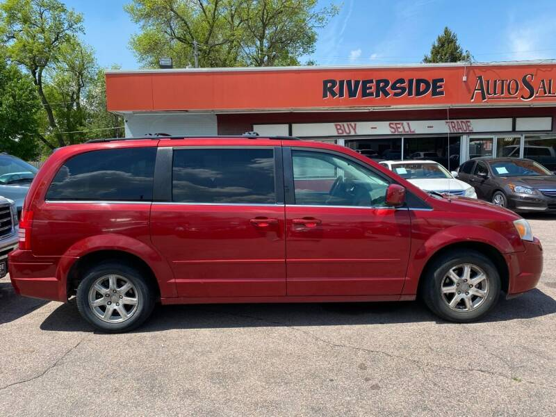 2008 Chrysler Town and Country for sale at RIVERSIDE AUTO SALES in Sioux City IA
