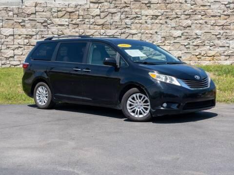 2015 Toyota Sienna for sale at Car Hunters LLC in Mount Juliet TN