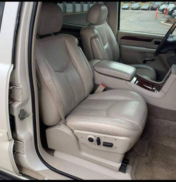2004 Cadillac Escalade AWD 4dr SUV - Pittsfield MA