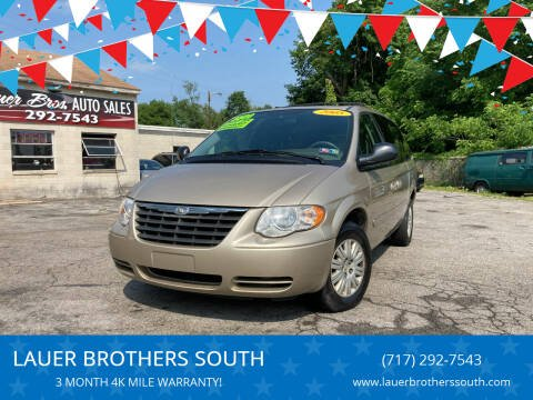 2005 Chrysler Town and Country for sale at LAUER BROTHERS SOUTH in York PA