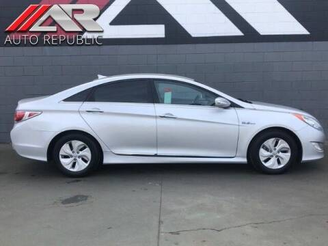 2013 Hyundai Sonata Hybrid for sale at Auto Republic Fullerton in Fullerton CA