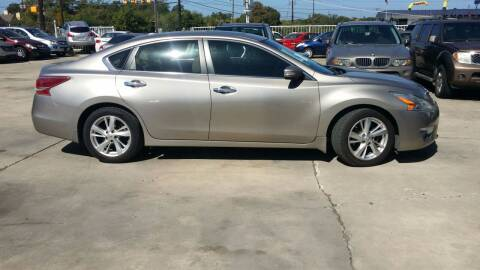 2013 Nissan Altima for sale at Dubik Motor Company in San Antonio TX