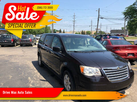 2010 Chrysler Town and Country for sale at Drive Max Auto Sales in Warren MI