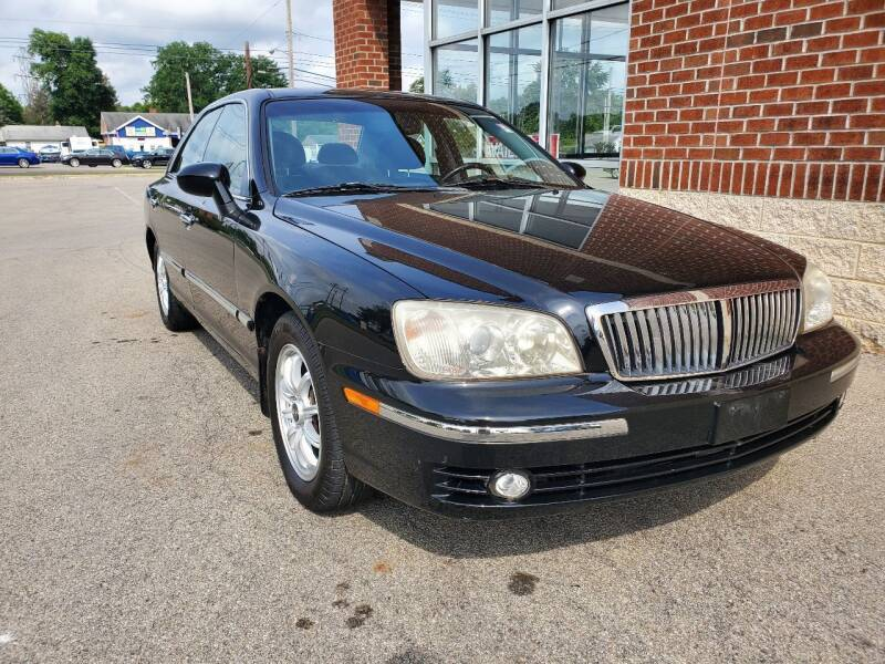 2005 Hyundai XG350 for sale at Auto Pros in Youngstown OH
