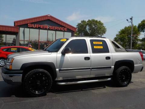 2004 Chevrolet Avalanche for sale at Super Service Used Cars in Milwaukee WI