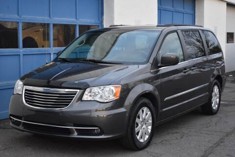 2015 Chrysler Town and Country for sale at IdealCarsUSA.com in East Windsor NJ