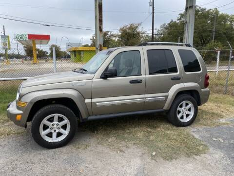 2006 Jeep Liberty for sale at C&R  MOTORS in San Antonio TX
