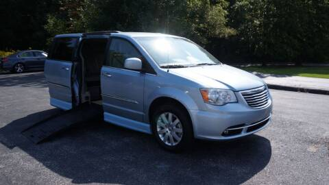 2016 Chrysler Town and Country for sale at Grand Financial Inc in Solon OH