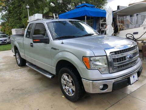 2013 Ford F-150 for sale at Global Motors in Hialeah FL