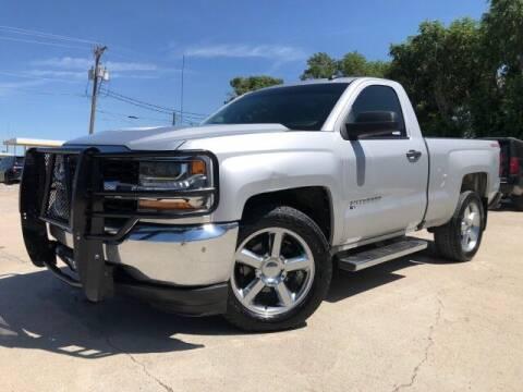 2017 Chevrolet Silverado 1500 for sale at Bulldog Motor Company in Borger TX