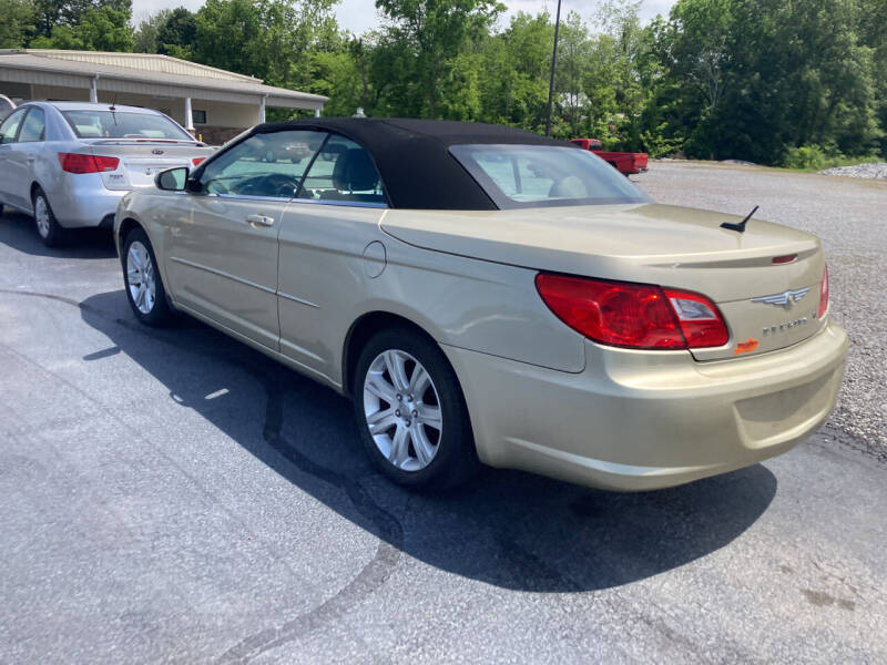 2010 Chrysler Sebring for sale at McCully's Automotive - Under $10,000 in Benton KY