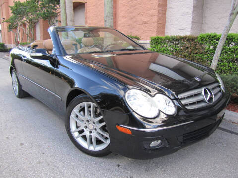 2008 Mercedes-Benz CLK for sale at FLORIDACARSTOGO in West Palm Beach FL