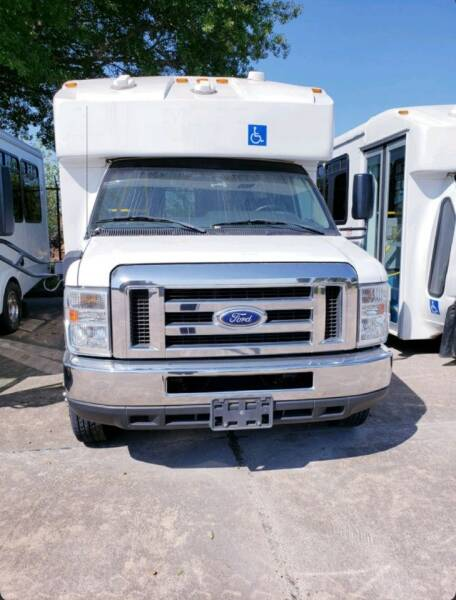 2016 Ford E-450 Shuttle Bus for sale at Allied Fleet Sales in Saint Charles MO