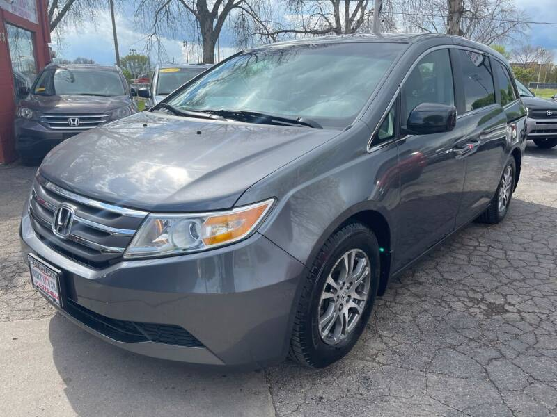 2011 Honda Odyssey for sale at Direct Auto Sales in Milwaukee WI