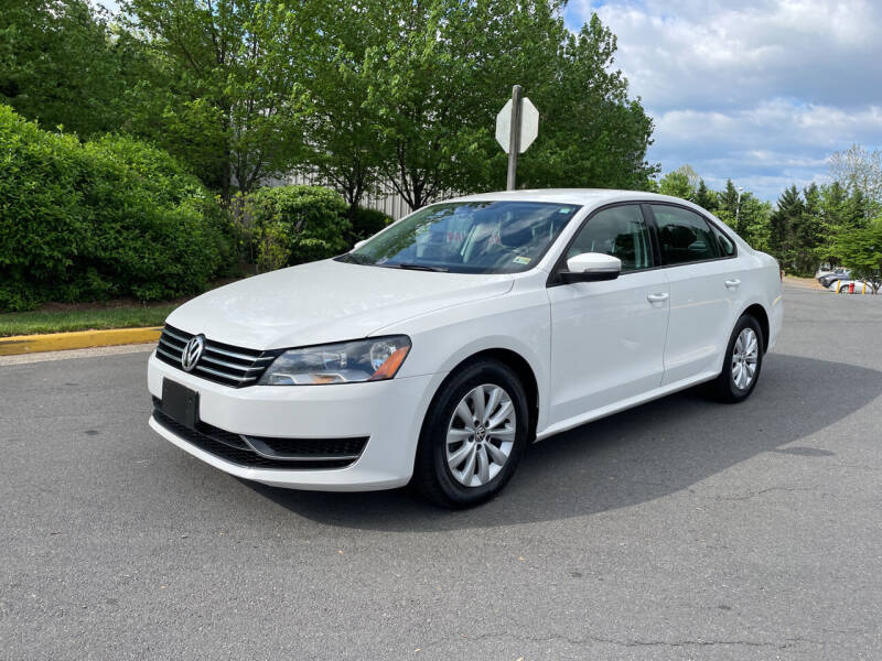 2014 Volkswagen Passat for sale at Dreams Auto Group LLC in Sterling VA
