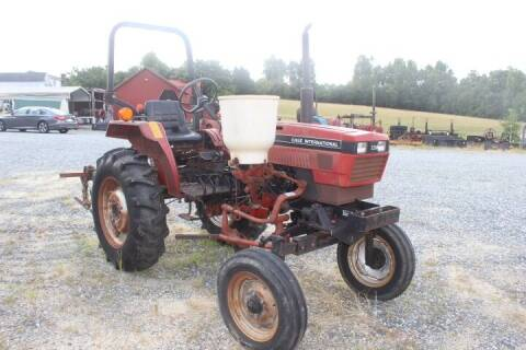 1991 Case IH  265 for sale at Vehicle Network - Joe's Tractor Sales in Thomasville NC