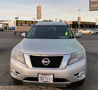 2014 Nissan Pathfinder for sale at Global Auto Group in Fontana CA