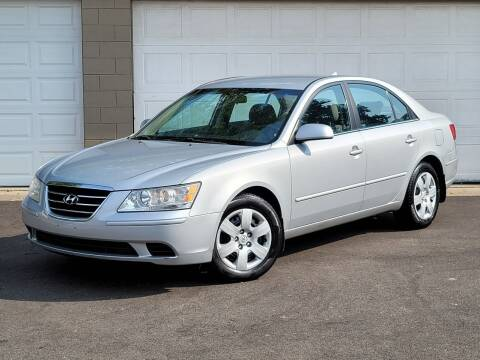 2009 Hyundai Sonata for sale at Riverfront Auto Sales in Middletown OH