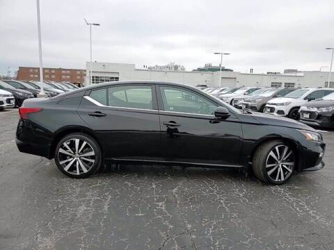 2019 Nissan Altima for sale at Hawk Chevrolet of Bridgeview in Bridgeview IL