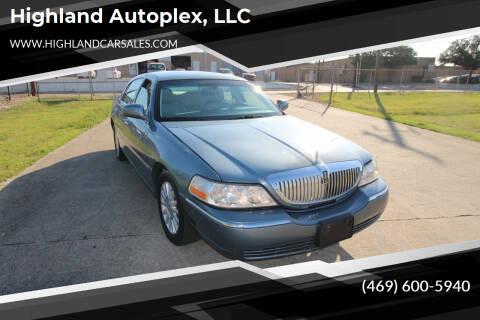 2004 Lincoln Town Car for sale at Highland Autoplex, LLC in Dallas TX