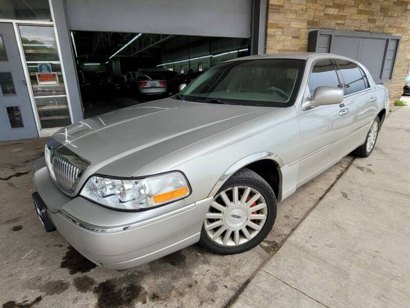 2003 Lincoln Town Car for sale at Car Planet Inc. in Milwaukee WI